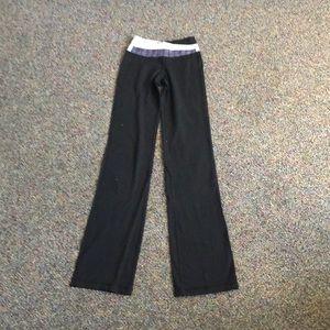 Astro lululemon athletica size 2 pants.